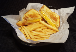 Kid's Grilled Cheese Sandwich & Fries